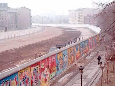 Bức Tường Bá Linh sau khi xây xong vào tháng 8 năm 1962